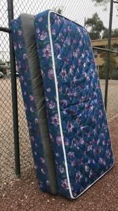 Like-New Twin Mattress Set!!! (Central Tucson)