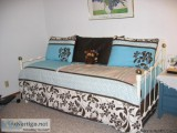 WROUGHT IRON DAY BED - Price: $.