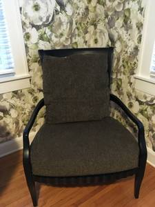 2 black chairs black/gold cushions (Bowling Green, KY)