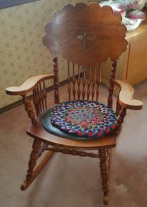 Rocking Chair - solid wood - great condition (Littleton)