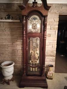 Howard Miller grandfather clock (Indianapolis)