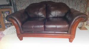 100% Genuine Leather Sofa & Love Seat (moorhead)