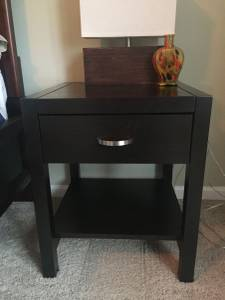 2 night stands- espresso brown like new