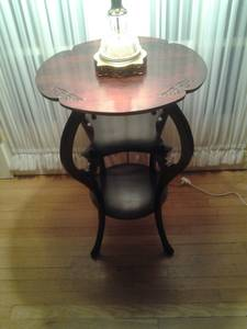 Vintage Mahogany Accent Table (Plainfield NJ)