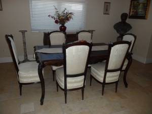 Dining room table and 6 Chairs Gorgeous Hand Carved English Oak. (Encino)