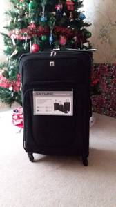 Luggage Brand new 28 inch spinner (Romulus)