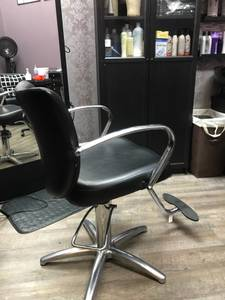 Salon chair (Laurel)