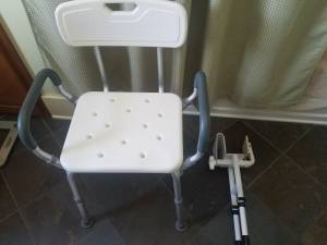 Bath/Shower chair and Bathtub bar (White Bear Lake)