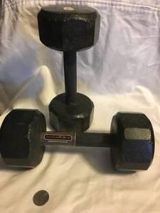 8 lb Dumbell $5 (DU)
