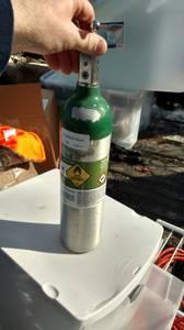 Air gas Medical oxygen 170 liter 1.5ft tall full (new berlin)
