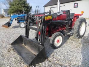 284 I H Tractor Diesel w/QA Loader w/60