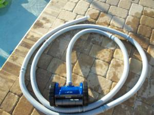 Creepy Crawly Pentair rebel in ground swimming pool auto vacuum (Greenwood)