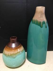 2 vases (Chaska)