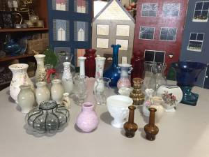 Large Collection of Small Vases-take all! (Laurel)