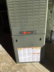 GAS FURNACE 90,000 BTU -GOODMAN (Oakwood)