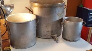 Large Wear-Ever Aluminum Stock Pots 12 Qt & Super Hd Commercial 88 Qt (E.