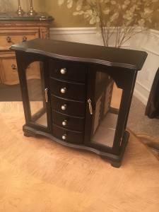 Jewelry box (Stevensville)