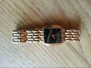 Vintage 1980's Peugeot Gold Tone Watch (Abingdon)