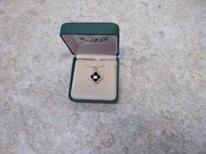 14K YG Black Onyx and diamond pendant (Minneapolis)