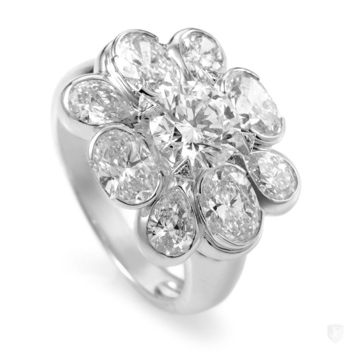 Chanel Chanel San Marco 18K White Gold Diamond Flower Ring