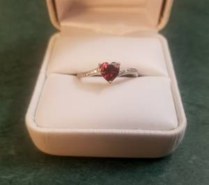 Sterling silver and garnet ring (Stillwater)