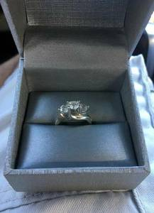 14k White Gold ring with 3 Diamonds Set (Miami)
