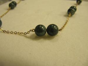 14 KT GOLD CHAIN & GREEN JADE BEAD STATION NECKLACE (Lakewood/Tacoma 98498)