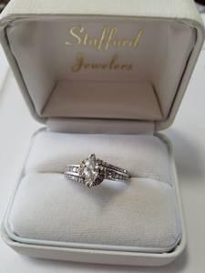 Diamond Engagement ring (bevercreek)