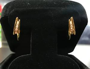 Lady's Gold Diamond Earrings (St Augustine)