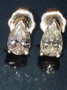 1.00ct diamond PEAR CUT earrings QUALITY