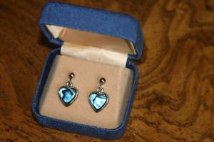 Perfect for Valentines Day New Drop Heart Shaped Drop Earrings (Bettendorf)