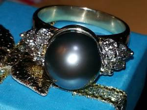 GORGEOUS 15MM TAHITIAN PEARL&1.00CT DIA RING. APPR$4,800. (buford)