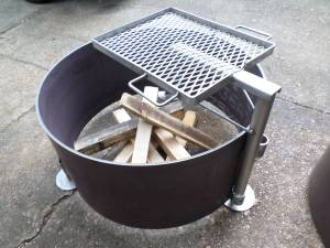 BBQ FIRE PIT RING. EXTRA HEAVY (mobile)