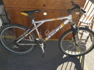 Vintage GT Men's Mtn. BIKE (Amarillo)