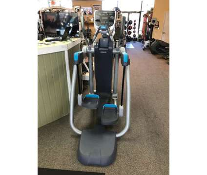 Precor AMT835 Open Stride Adaptive Motion Trainer