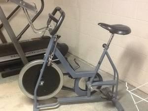 Schwinn excercise bike (Lacrosse)
