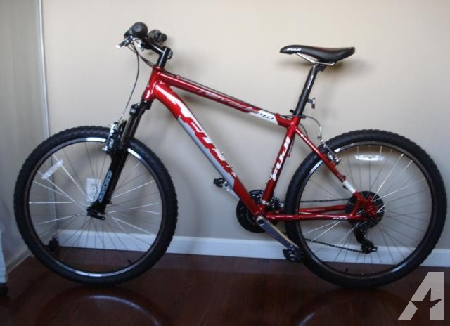 New Never Ridden Fuji Mountain Bike