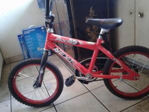 Kids bike like new (Northwest)
