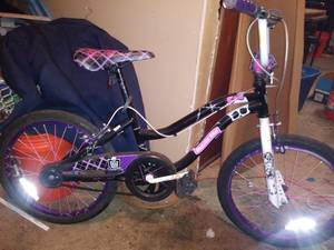 MONSTER HIGH KIDS BIKE (Auburn)