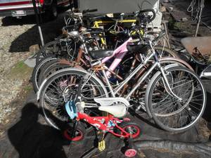 8 adult &1 little kids bikes. They are sold as a lot (North Andover)