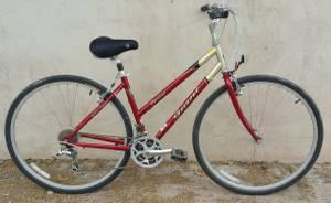 Hybrid Step Thru Road Bike - Medium - Excellent Condition (Central)