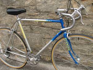 Restored Vintage Schwinn Road Bike (Lithonia)