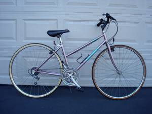 1990s RALEIGH Capri 12 speed road bike 44cm (Plymouth (just off 394)