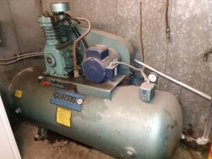 Curtis 5 Hp - 80 Gallon Horizontal Air Compressor (Yakima)