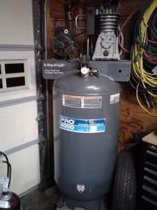 80 gallen 18CFM max psi 175 (Hooksett)