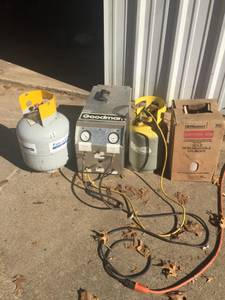 Freon Recovery Unit with Bottles (West Fort Worth)