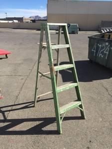 Step Ladder (NE Las Vegas)