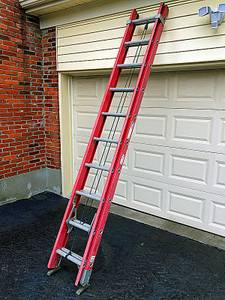 Louisville Ladder FE3220 Fiberglass Extension Ladder 20 ft (northeast