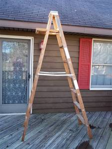8' Werner Wooden Ladder (Kokomo)