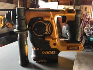 Dewalt hammer drill (Moline)